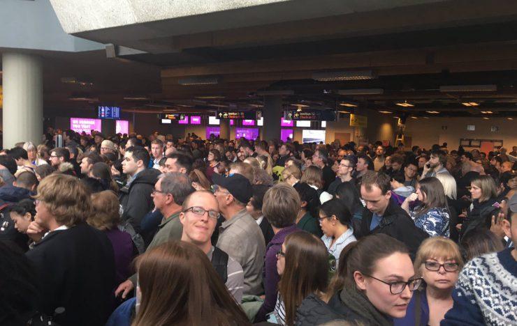 Vliegtuig bij verkeerde gate: luchthaven Reykjavik ontruimd