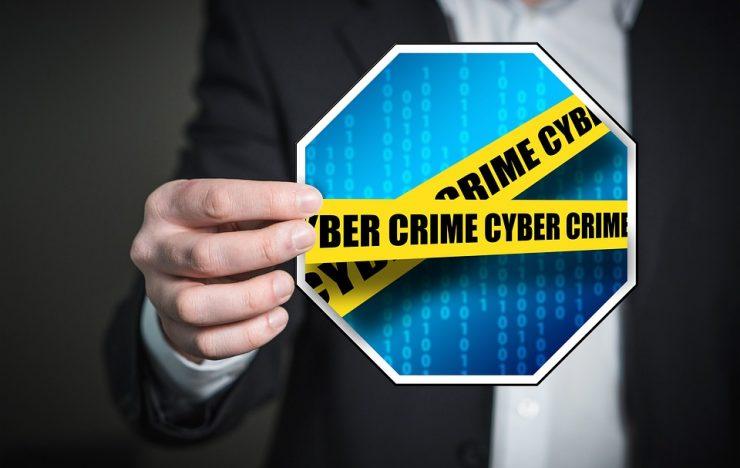 Politie houdt drie verdachten aan wegens phishing