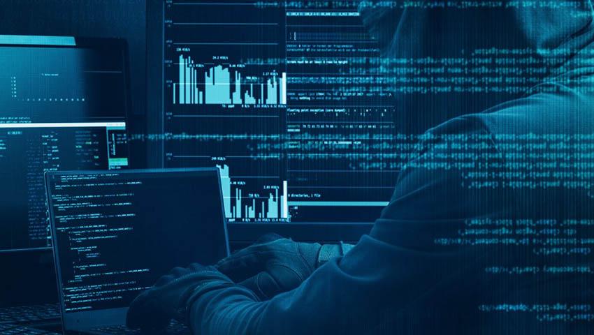 'Lid van hackerscollectief dat 1 miljard dollar stal bekent schuld'